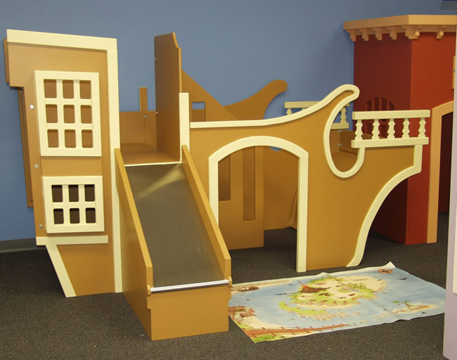 Captain Kidds Pirate Ship Playhouse With Slide