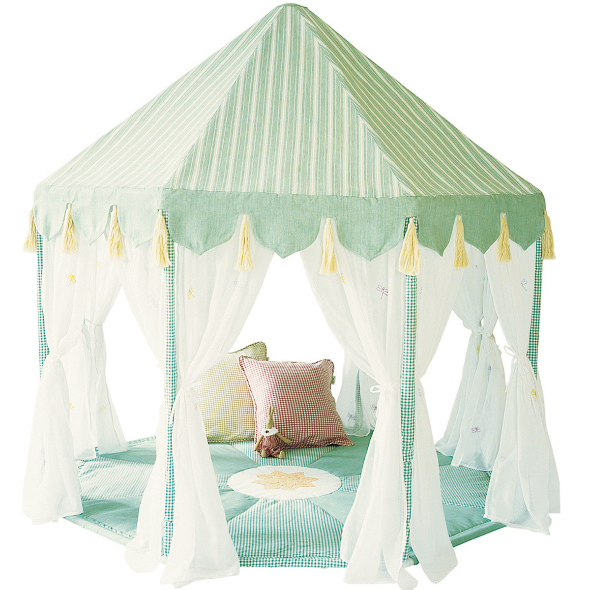 Willow outdoor pavilion and quilt for Kids outdoor fabric