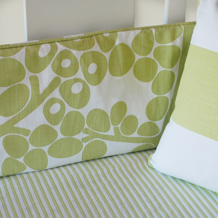 Modern Berries 3-Piece Crib Set in Spring Green by Oilo Thumbnail 3